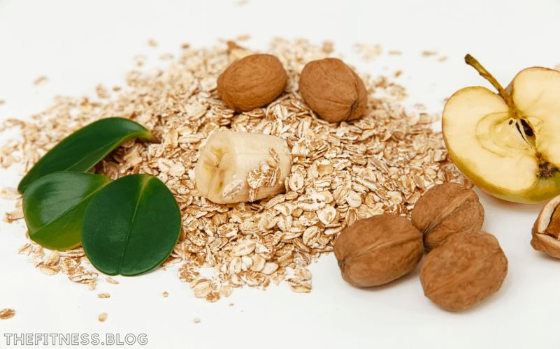 Rolled Oats With Walnuts And Banana